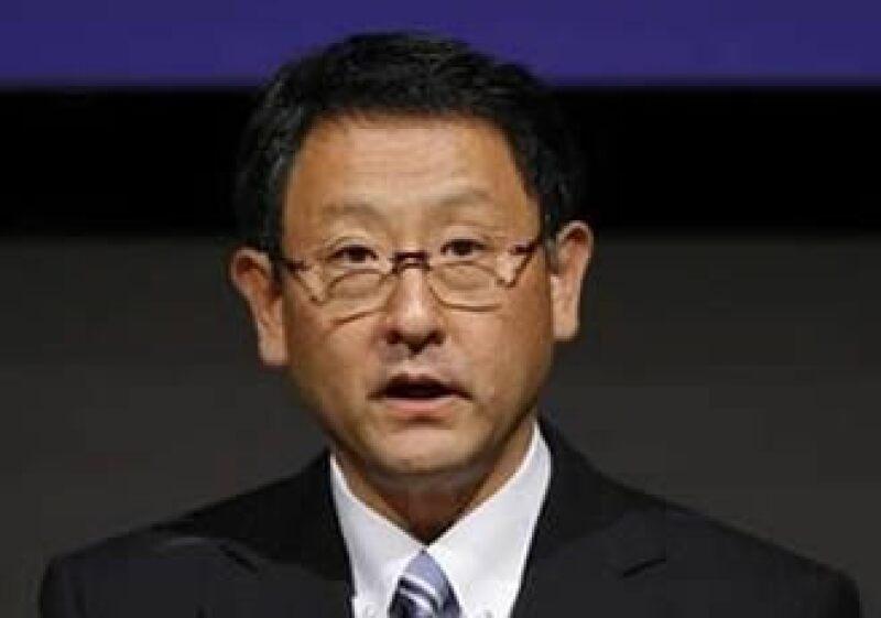 Akio Toyoda, nuevo jefe de la automotriz Toyota, prometió en una conferencia de prensa tener cambios en la compañía. (Foto: Reuters)