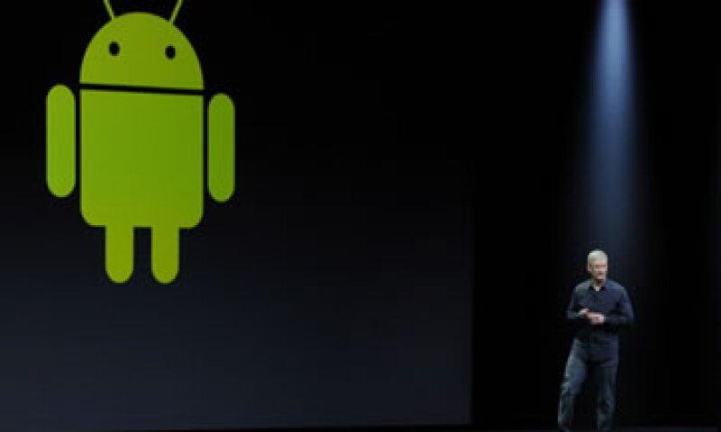 El CEO de Apple, Tim Cook, ha intentado ponerse al día con sus competidores. (Foto: Getty Images)