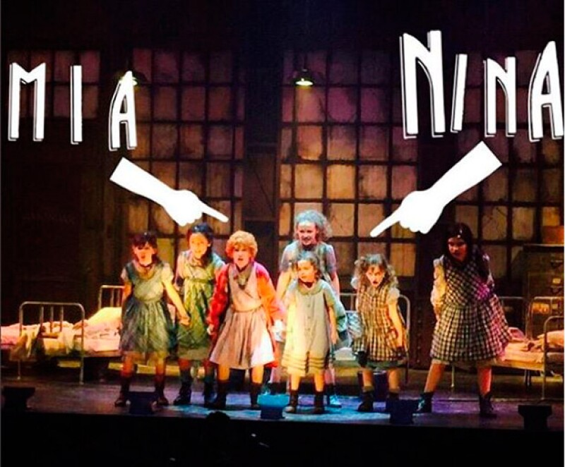 """Mía y Nina han demostrado que tienen talento en el musical """"Annie""""."""