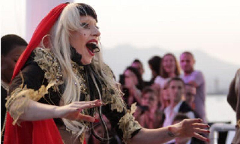 La letra del nuevo video de Lady Gaga se refiere a cómo vivir los últimos instantes de la vida. (Foto: AP)