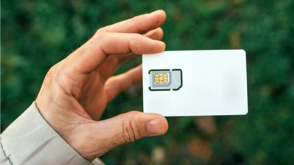 Dish ofrece telefonía móvil gratis a los clientes que estén al corriente