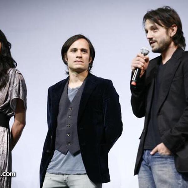 Stephanie Sigman,Gael García Bernal,Diego Luna