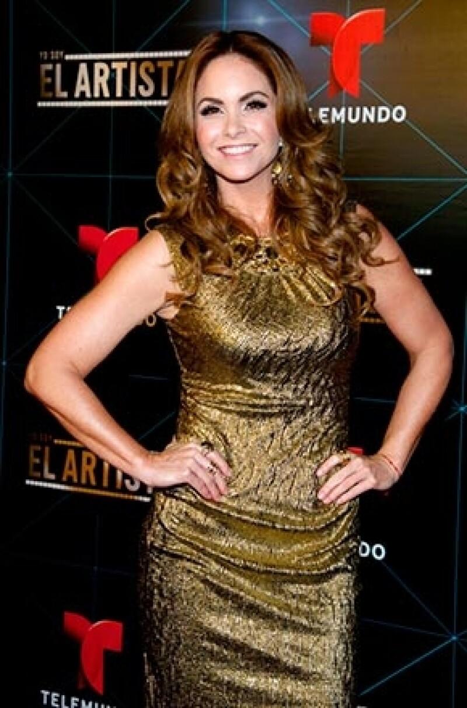 La cantante aseguró que lleva una vida alejada de lujos y prefirió mantener en privado si Televisa alguna vez le pagó propiedades.