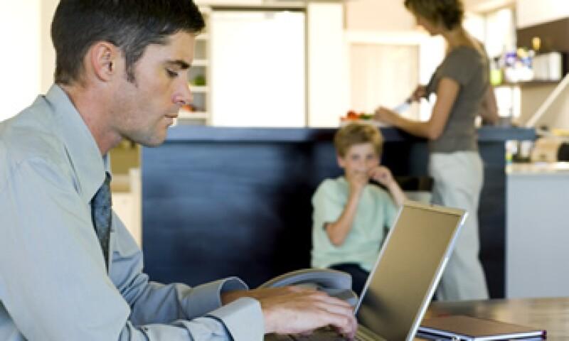 Un desafío que enfrenta el 'home office' es la falta de infraestructura, según el análisis de Manpower. (Foto: ThinkStock)
