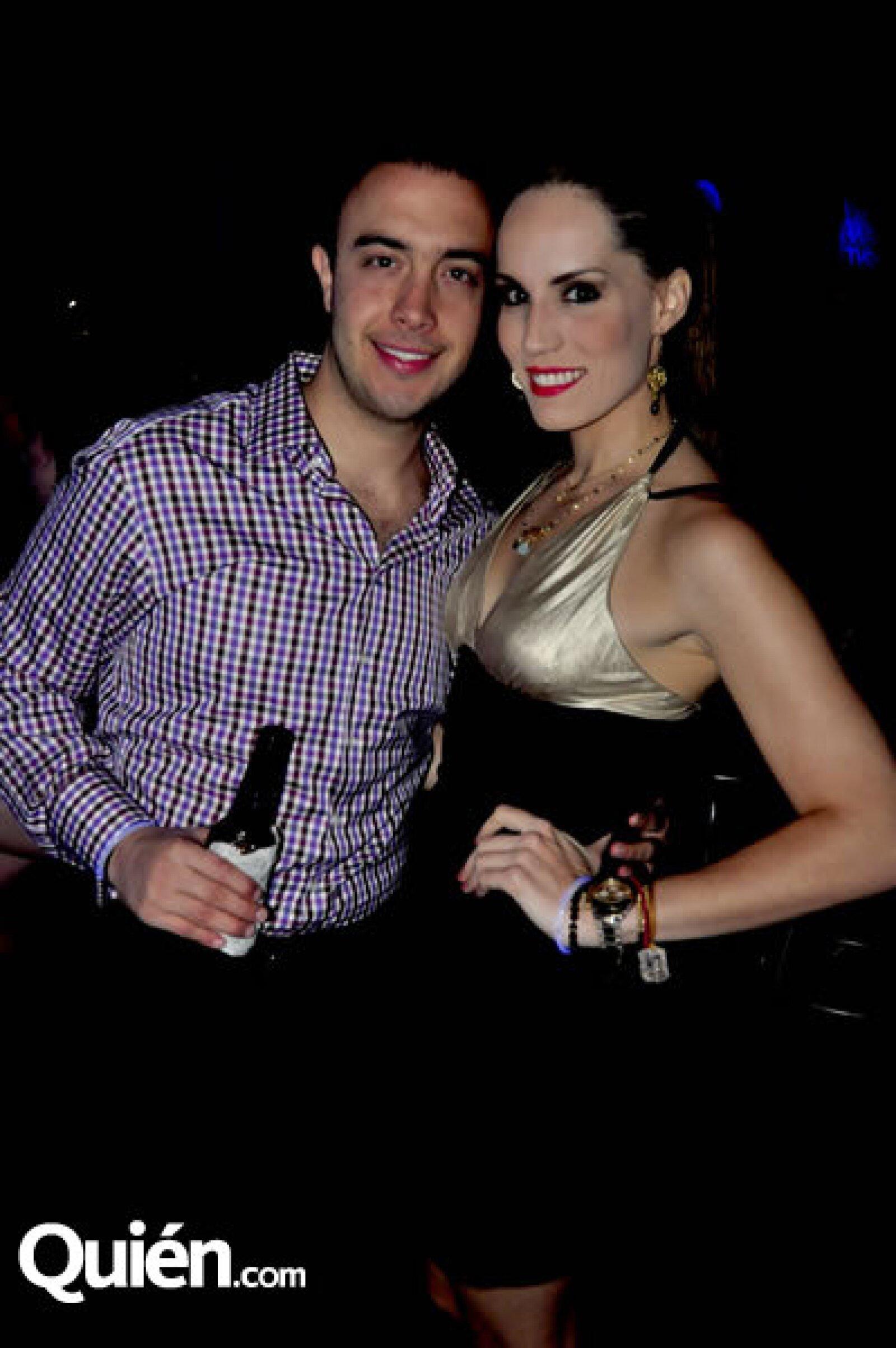 Guillo Pérez Salinas y Lizzy Dillon