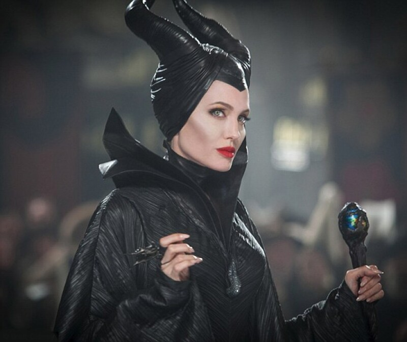 Jolie contará una historia paralela de Maléfica 50 años después de haberse estrenado `La Bella Durmiente´.