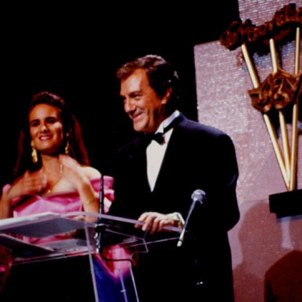 Joaquin Cordero y  Gloria Calzada en los Premios TV y Novelas 1994.