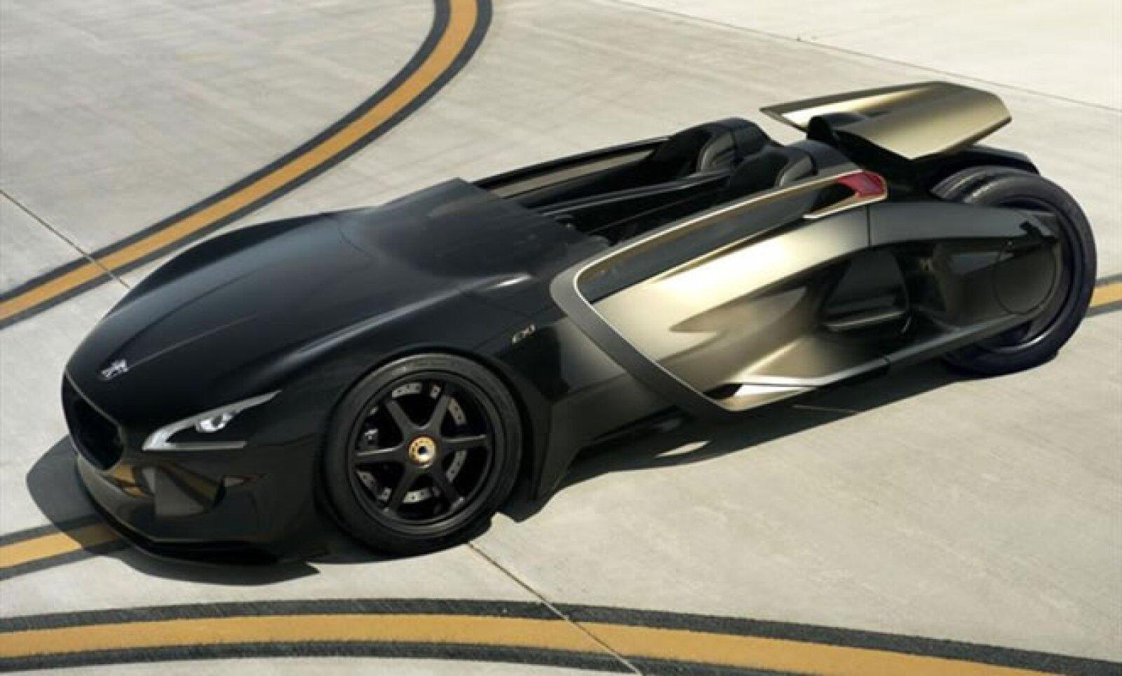 La propuesta mecánica es interesante ya que el chasis es fabricado en fibra de carbono, y su forma estilo gota de agua anuncia mejor respuesta de manejo. Sus dos motores eléctricos le permiten alcanzar los 100 km/h en apenas 3.5 segundos.