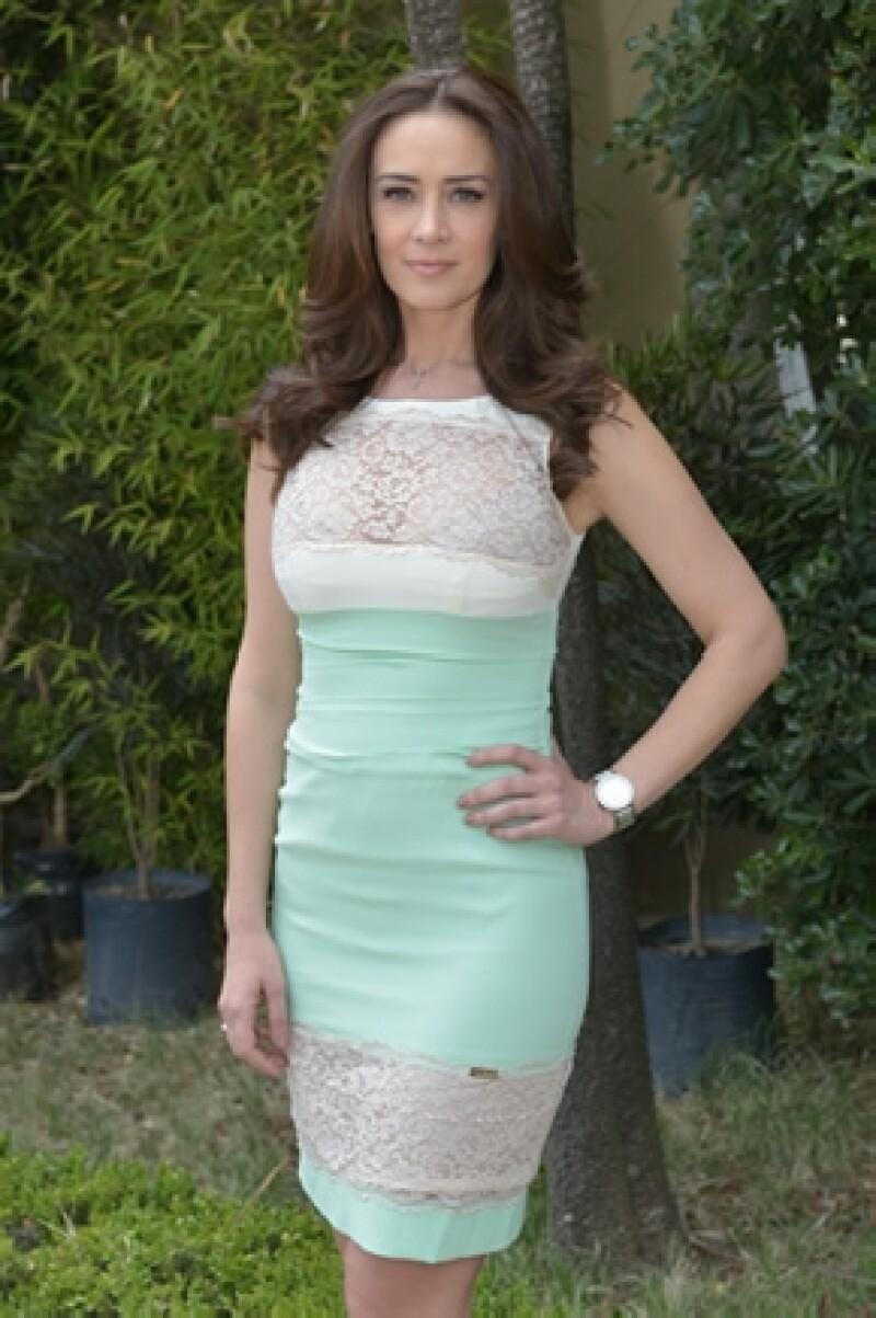 """La actriz será la protagonista de la nueva telenovela de TV Azteca, """"Secretos de familia"""" y tendrá que dividirse entre su familia y el trabajo."""