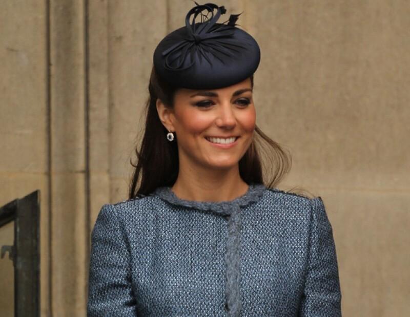 De acuerdo con  los hermanastros del Príncipe Guillermo, la Duquesa de Cambridge es la princesa perfecta.