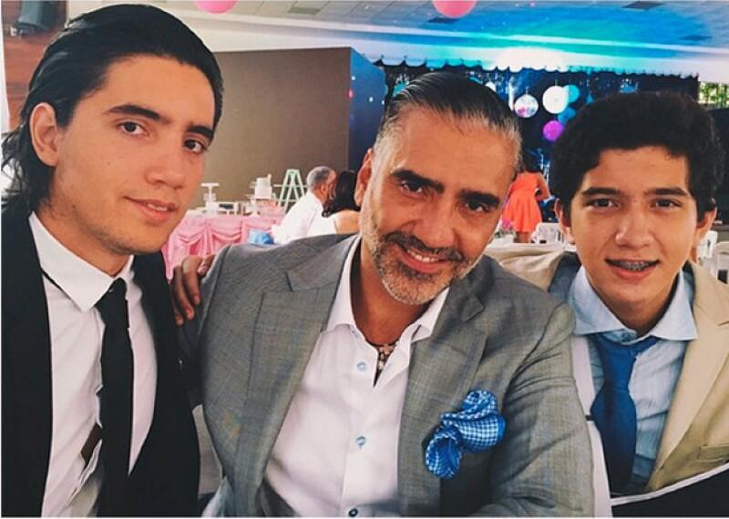 Fue a los 22 años del Potrillo que nació Alejandro Jr., el mayor de los hijos del cantante.