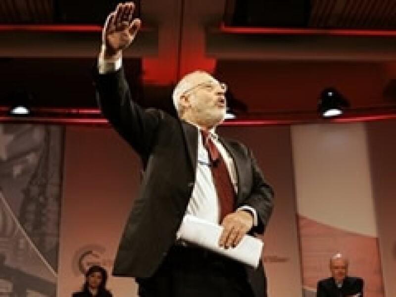 Joseph Stiglitz calificó de robo el plan contra los activos tóxicos bancarios. (Foto: Archivo)