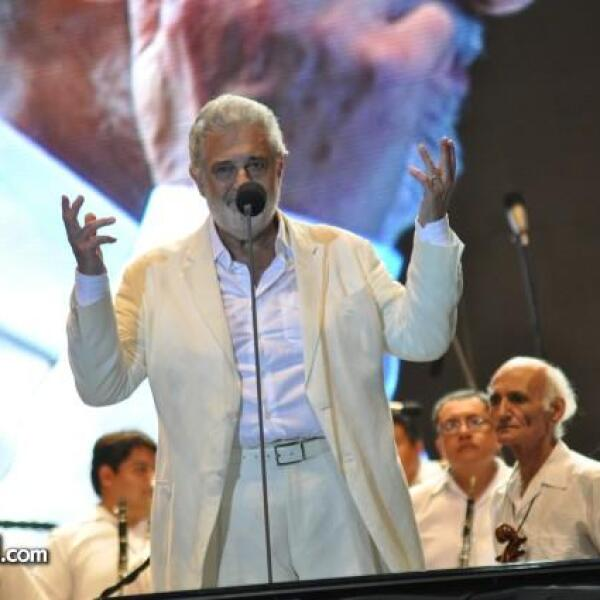 Fue acompañado por la Orquesta Filarmónica de Acapulco.