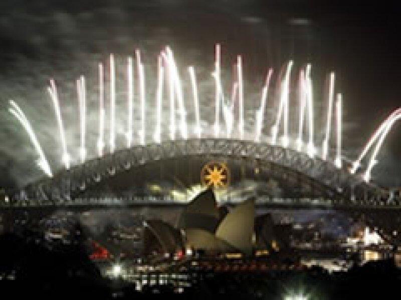 Sidney celebra el fin de 2008, con fuegos artificiales. (Foto: AP)