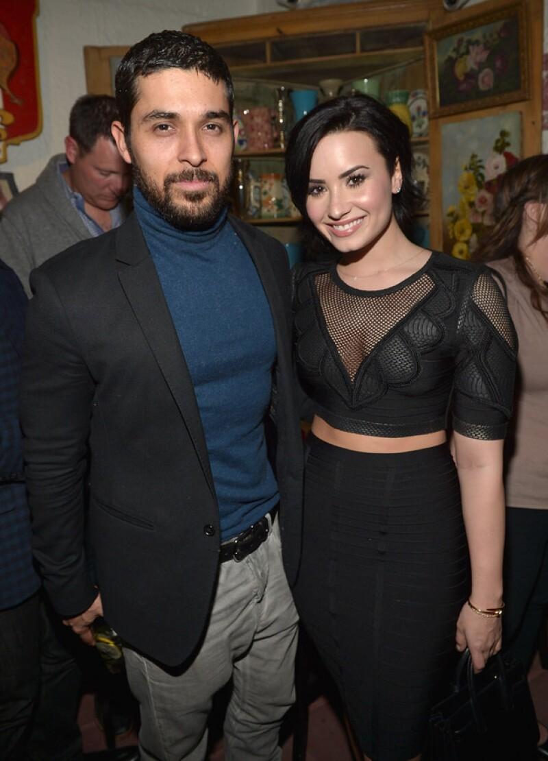 La cantante y el actor estarían planeando en secreto su boda tras comprometerse después de cinco años juntos.