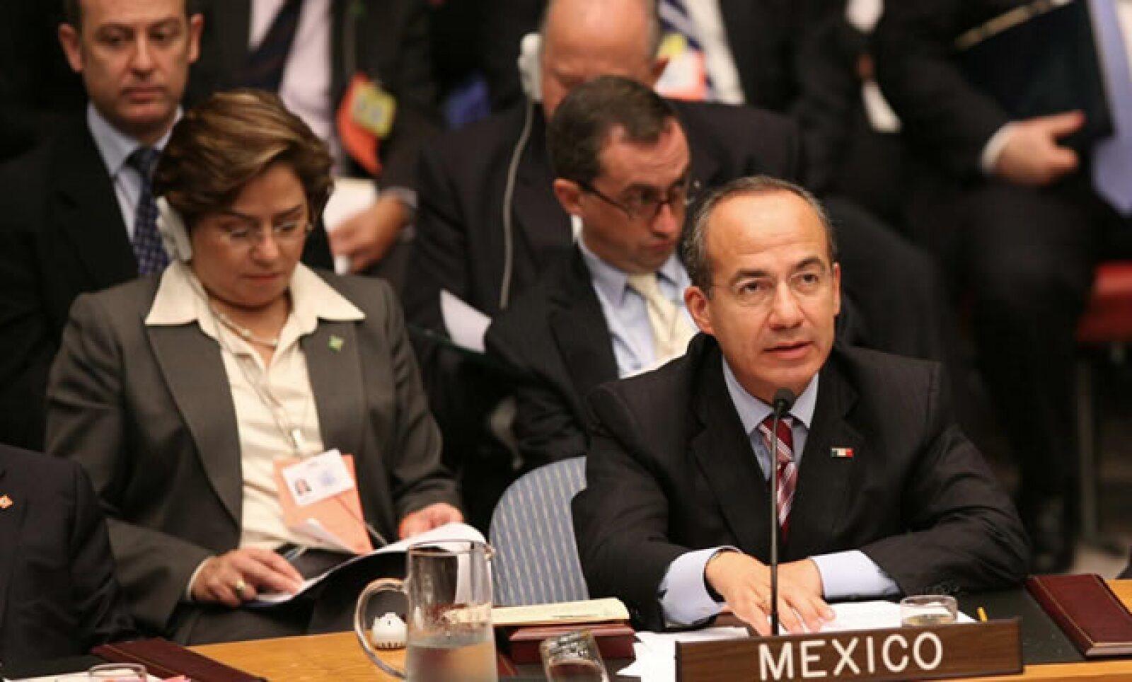 El presidente de México, Felipe Calderón, pidió ante el Consejo de Seguridad de la ONU el apoyo de la comunidad para un desarme nuclear completo y lo señaló como único camino para la paz y seguridad mundial.