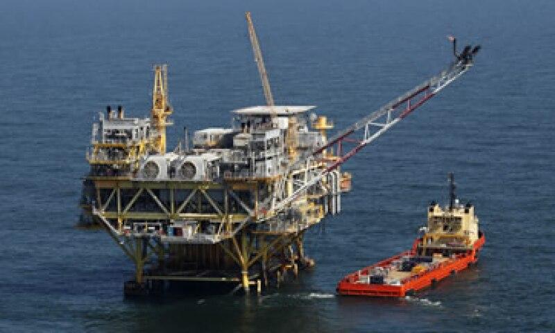 La producción de Pemex se ubica en cerca de 2.55 millones de barriles diarios en promedio.  (Foto: AP)