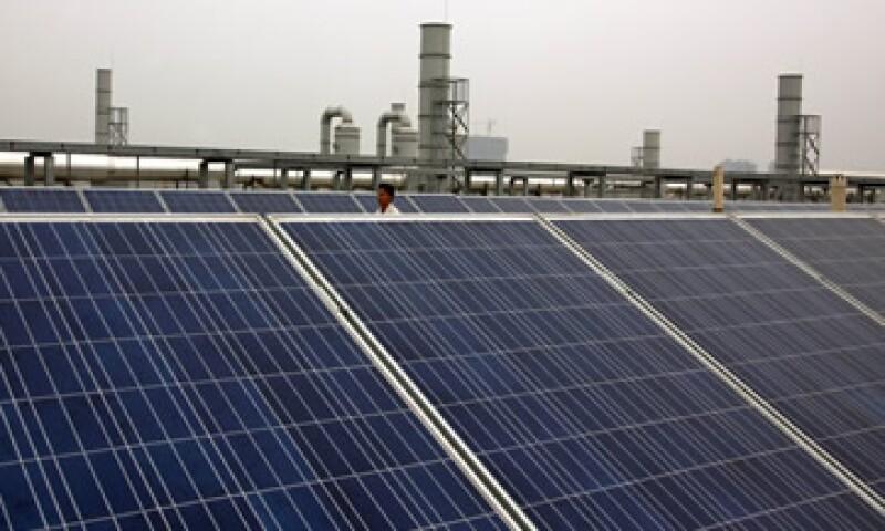 El uso prolongado e intensivo de combustibles fósiles ha hecho que miremos con nuevos ojos el uso de las energías renovables, dice Fidel Trejo. (Foto: Reuters)
