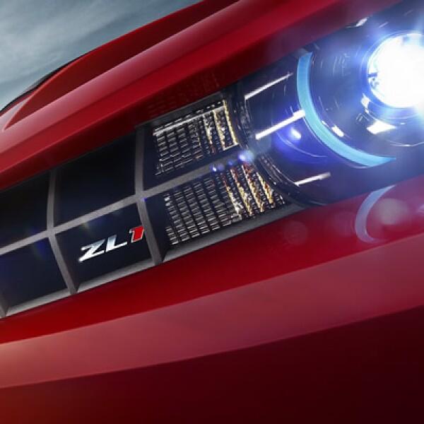 Con un abanico de colores conformado por ocho tonalidades, el Camaro ZL1 se comercializa en un precio de 820,000 pesos.
