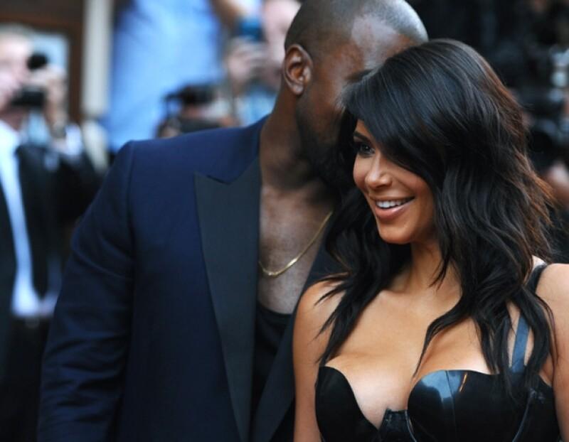 Kanye cada vez está más enamorado de su esposa, por ello la sorprende con detalles únicos.