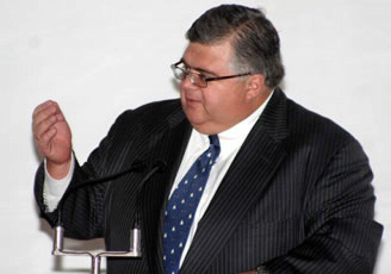 Agustín Carstens dijo estar dispuesto a ser el titular de Banxico si el presidente Calderón decide designarlo en ese cargo. (Foto: Archivo)