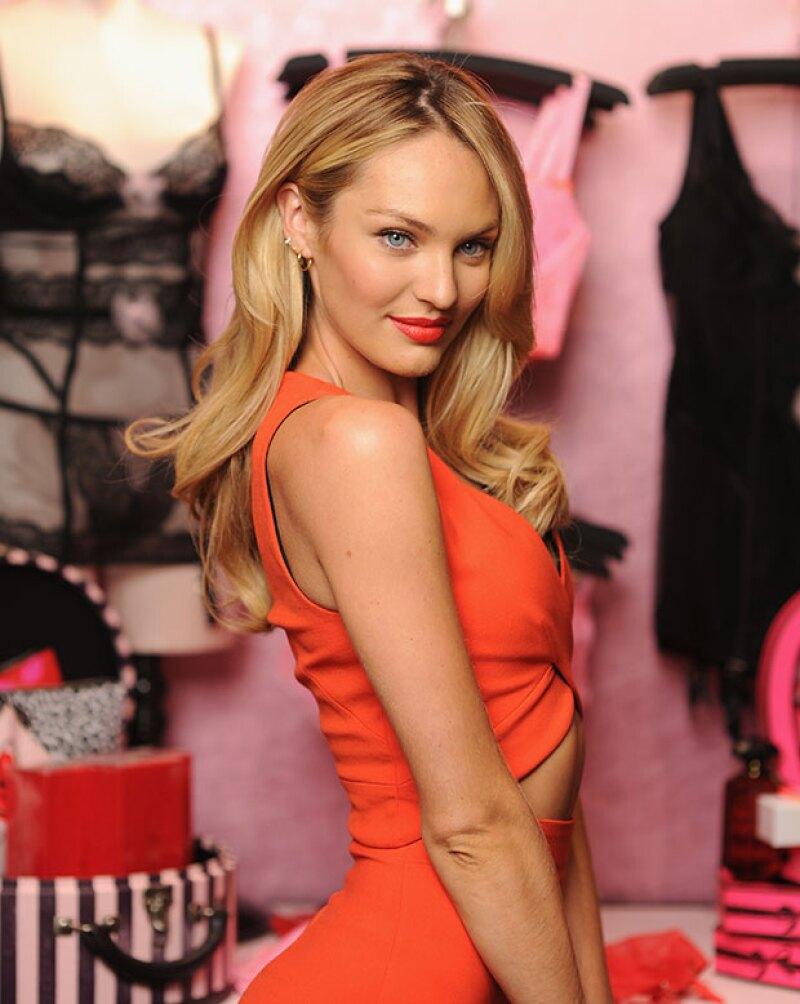El ángel de Victoria's Secret pasó la vergüenza de su vida al tropezar durante el desfile de Givenchy.