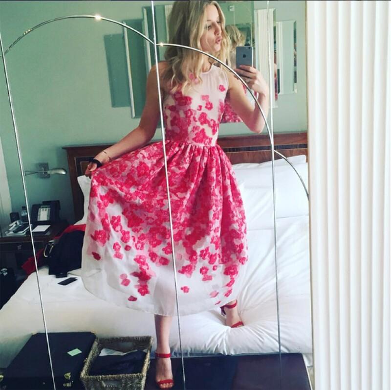 Annabelle Willis, actual pareja sentimental del cantante, publicó en Instagram una foto en la que presume de su nuevo anillo de diamantes, hecho que ha levantado sospechas de compromiso.