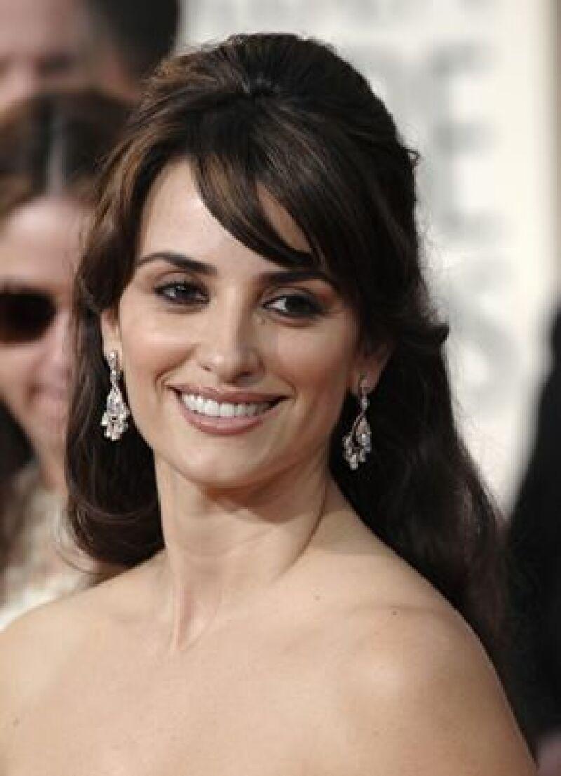 Por segunda ocasión la actriz española logró una nominación como Mejor Actriz de Reparto, de ganar el premio podría recibirlo de manos de Javier Bardem.