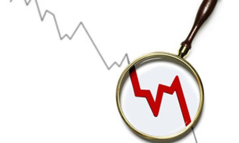 La firma además puso en observación negativa calificaciones específicas de financiamientos bancarios. (Foto: Getty Images)