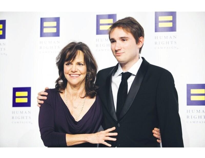 Frente a más de 3,000 personas la actriz se abrió por primera vez sobre la homosexualidad de su hijo Sam y la forma en la que lo ayudó a aceptarse a sí mismo.
