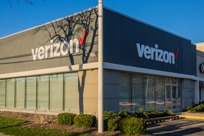 April 21, 2018 - New Jersey. Verizon store in Bergen County, New Jersey