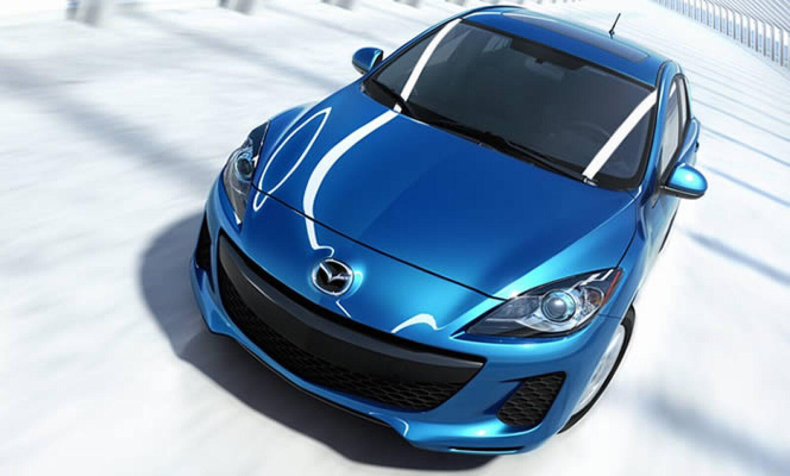 El modelo 2012 del Mazda 3 hatchback debutó en el AutoShow de Nueva York, con un revitalizado diseño interior y exterior.