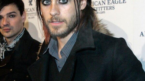 Desde que cambió la actuación por la música a Jared Leto se le ve seguido con maquillaje alrededor de los ojos.