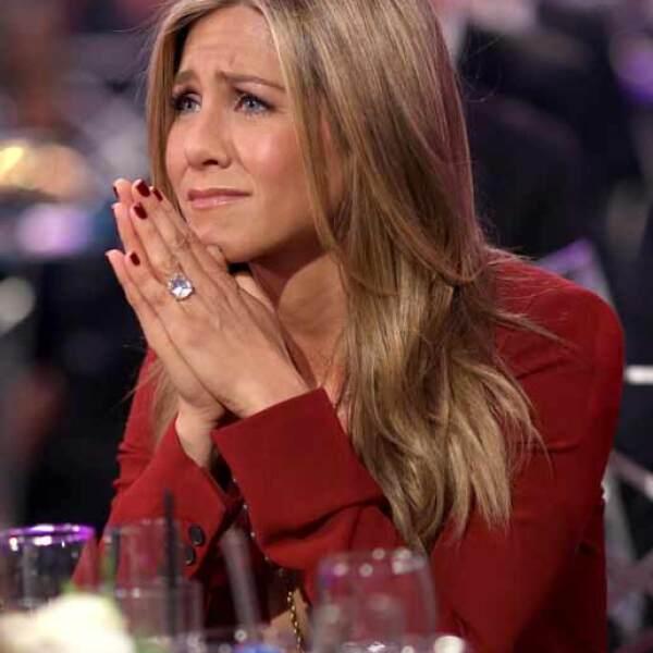 Jennifer Aniston pareció estar conmovida por la mención que le hizo Julianne.