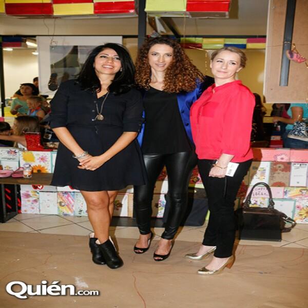 Claudia Flores,Carla Aparicio,Sydney Brown