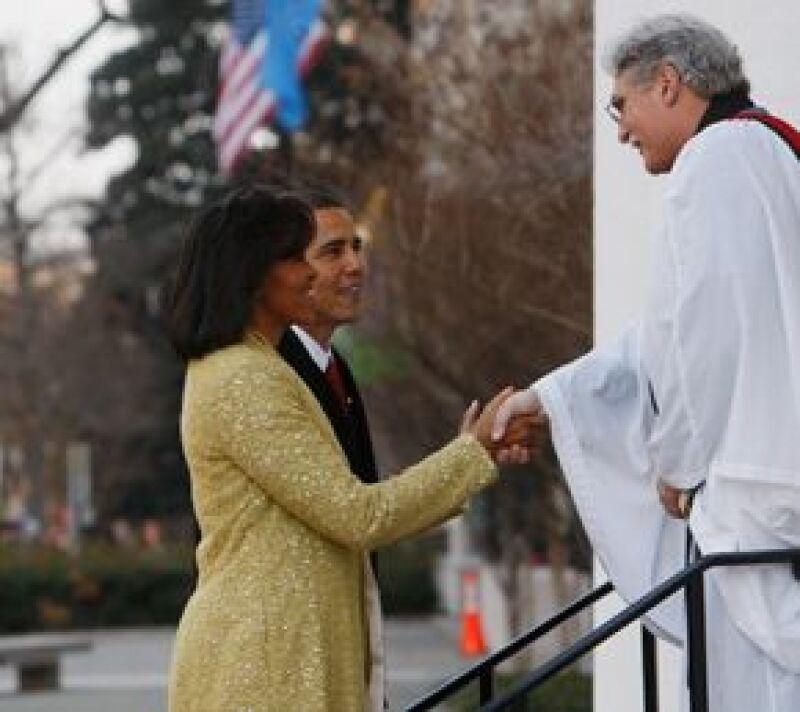 El presidente electo de EU dejó la Casa Blair para dirigirse a una ceremonia religiosa antes de llegar al Capitolio.