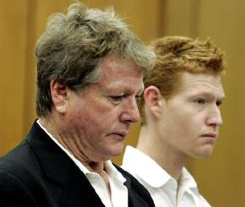El hijo de la actriz fue detenido el domingo y deberá pagar fianza por 25 mil dólares.