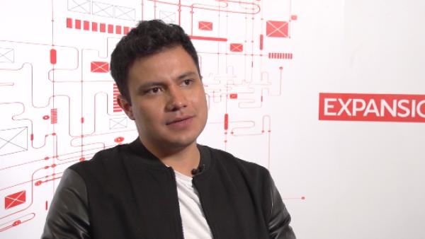 Luis Torres, de la escritura a la fama en video