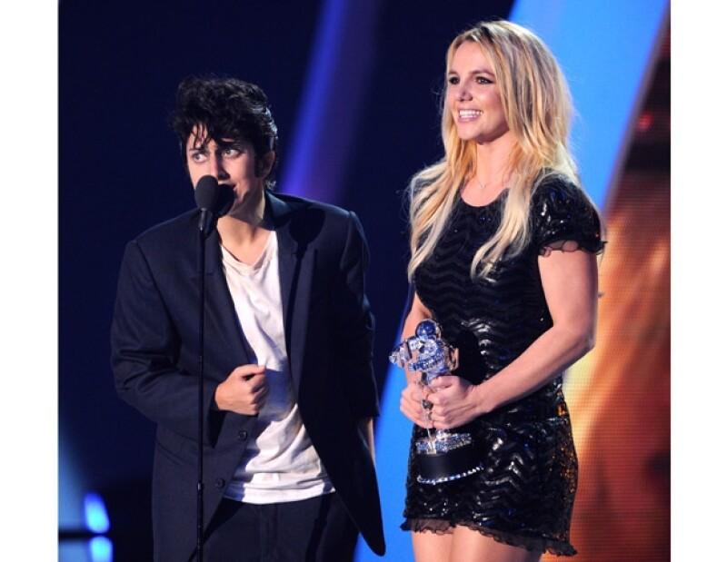 """Los deseos de Britney por colaborar con Gaga están a punto de realizarse. Mediante Twitter la mamá de los monstruos escribió que """"ahora es el momento"""" de hacer una canción juntas."""