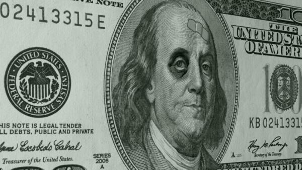 Donald Trump le mete el pie al dólar y el peso se beneficia