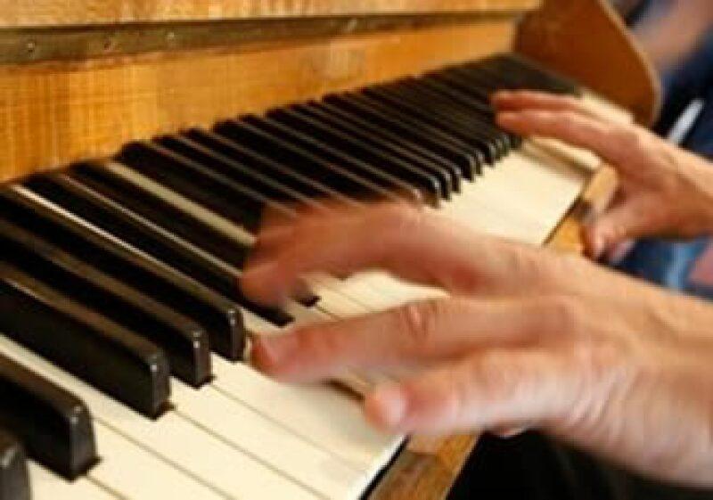 El piano vertical Challen fue adquirido en 1964 para el estudio Abbey Road por 250 libras. (Foto: AP)