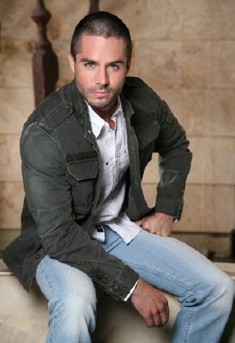 José Ron dará vida a Gustavo Durán, un hombre con difetentes matices en su personalidad.