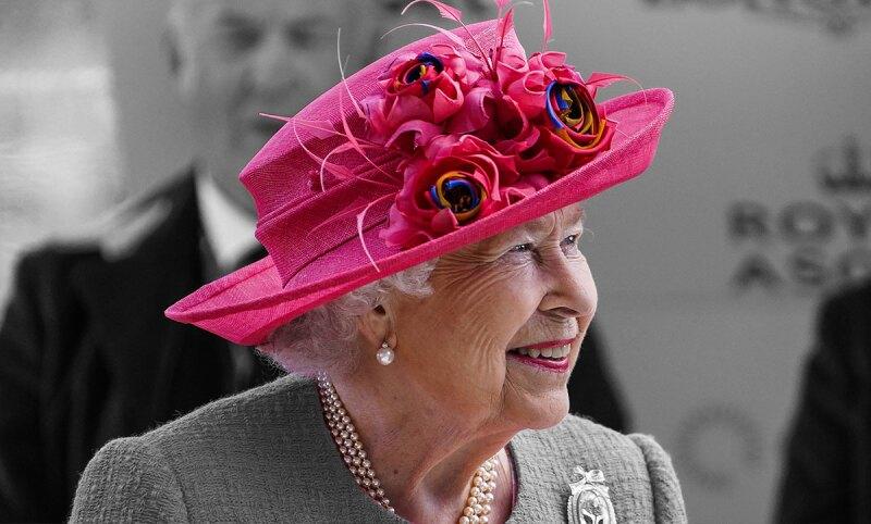 queen elizabeth casa de muñecas