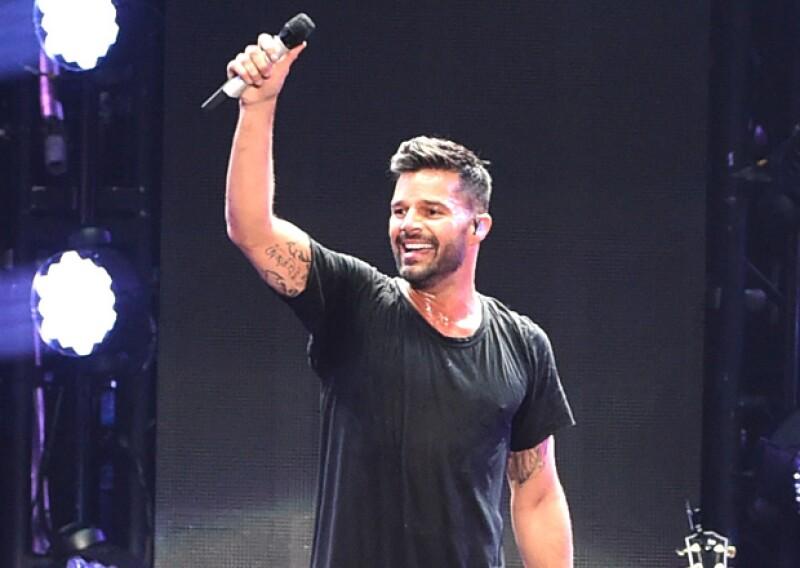 Ricky Martin, Daisy Fuentes, Julio Camejo y más celebridades latinas han emitido su opinión sobre la apertura de embajadas en ambos países tras 53 años de bloqueo.