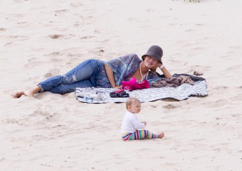 Blake pareció disfrutar de un tiempo con su familia en la playa.