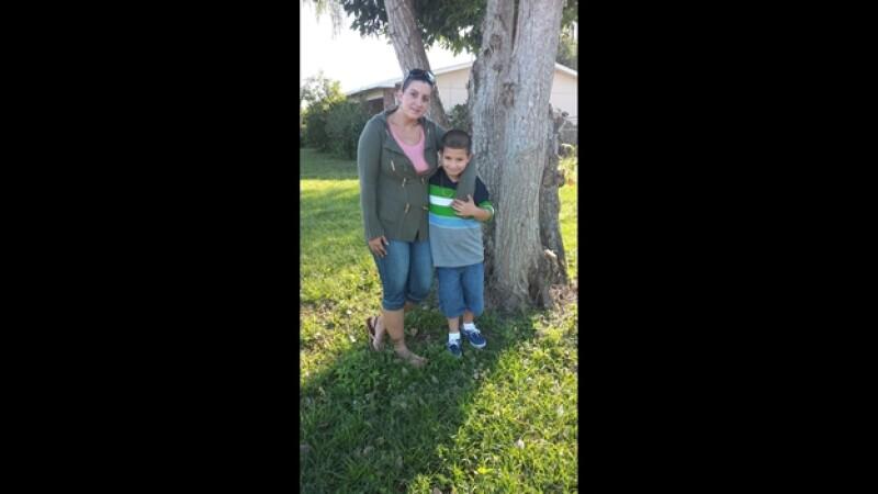 La madre de Florida que fue arrestada por negligencia infantil luego de permitiera que su hijo saliera a jugar a un parque