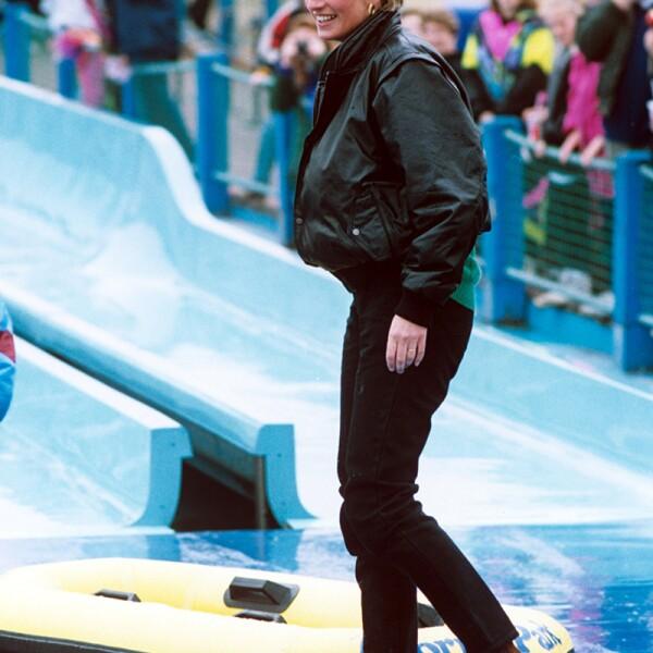 PRINCESS DIANA AT THORPE PARK, BRITAIN - ARP 1993