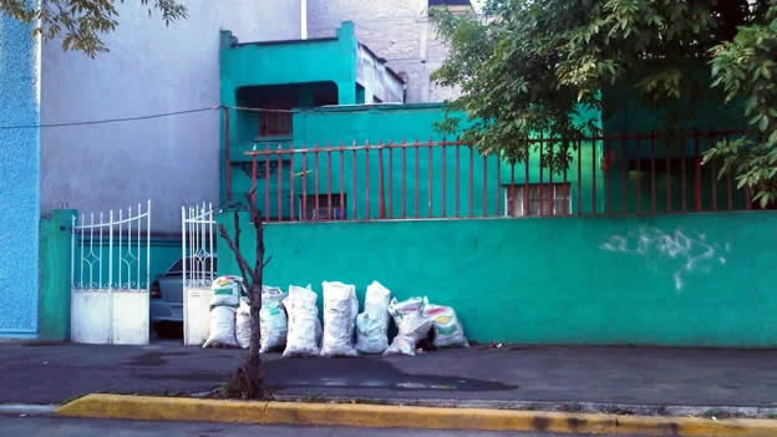 Facha de la casa donde vivio Josefina Vazquez Mota