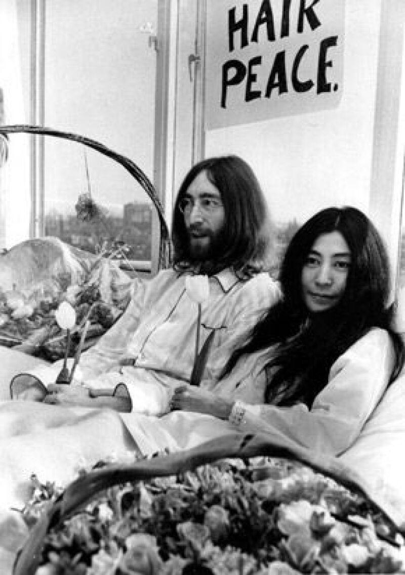 Un 20 de marzo de 1969 se casaban en Gibraltar John Winston Lennon y Yoko Ono, relación que, según la leyenda negra, terminó con la mejor banda musical de la historia.