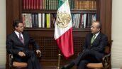 MEXICO, D.F., 17JULIO2012.- Felipe Calderón Hinojosa y Enrique Peña Nieto, durante su encuentro en la residencia oficial de los Pinos. FOTO: CUARTOSCURO.COM